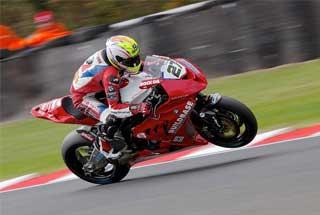 Sportfotografie mit Kameraobjektiv - hier Motorsport